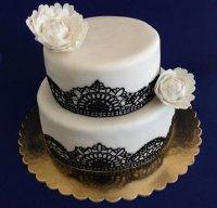Tort weselny biało-czarny